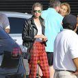 Miley Cyrus et sa compagne Stella Maxwell sont allées déjeuner au restaurant Nobu à Malibu, le 11 juillet 2015