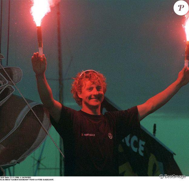 Laurent Bourgnon, vainqueur de la Route du Rhum, à Point-à-Pitre en Guadeloupe, le 21 novembre 1998