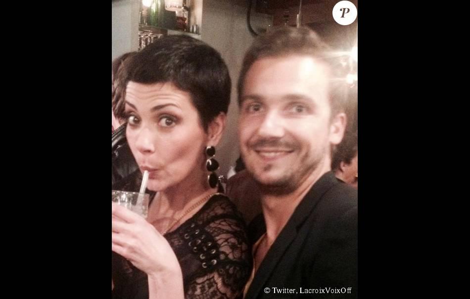 Hervé Lacroix, voix des  Reines du shopping , aux côtés de Cristina Cordula.