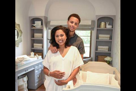 Stephen Curry : Sa femme Ayesha a accouché, grande soeur Riley déjà au taquet !
