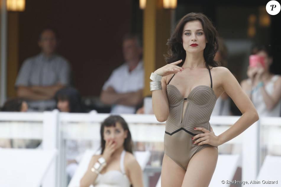 Défilé de mode bikini