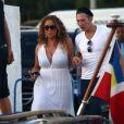 Mariah Carey retourne à bord de l'Arctic yacht à avec des amis et son nouveau compagnon James Packer, le 24 juin 2015
