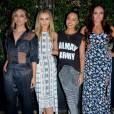 Les Little Mix posent avant d'aller au restaurant Hakasan à Londres le 13 juillet 2015. Little Mix est un girls band anglais ayant remporté la huitième saison de l'émission britannique The X Factor en 2011. C'est la première fois qu'un groupe remporte la finale de The X-Factor. Le groupe est composé de 4 jeunes filles : Jesy Nelson, Leigh-Anne Pinnock, Jade Thirlwall et Perrie Edwards.