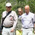 Exclusif - Le prince Albert II de Monaco visitait en compagnie d'Eric Ciotti le 5 août 2015 le Parc Alpha, au Boréon à Saint-Martin-Vésubie (Alpes-Maritimes), où vivent 22 loups du Mercantour en trois meutes. Précédemment, le souverain monégasque, fervent défenseur de l'environnement, était allé observer dans les environs de Saint-Etienne du Tinée le gypaéton Aunos.