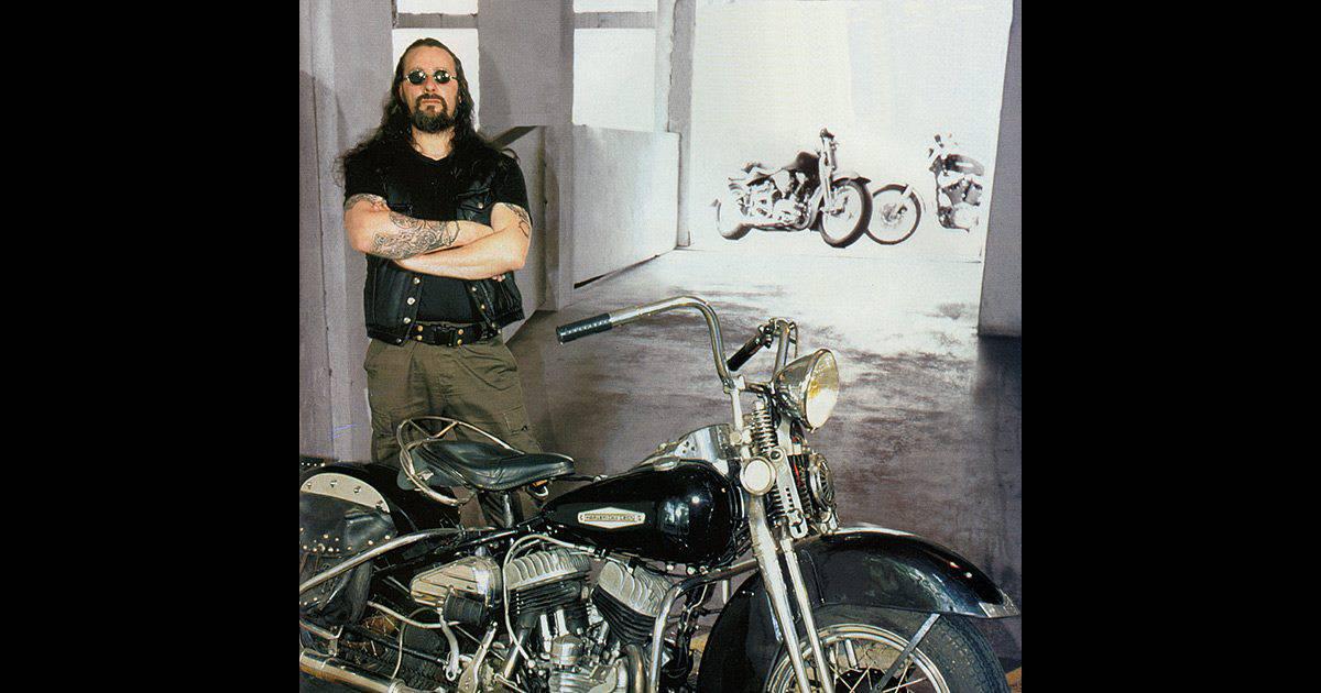 coyote auteur de bande dessin e et passionn de moto photo post e sur facebook. Black Bedroom Furniture Sets. Home Design Ideas