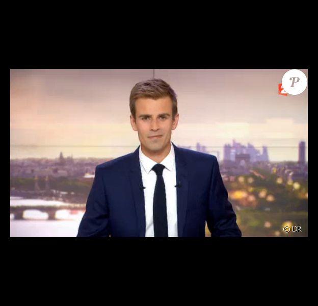 Jean-Baptiste Marteau, à la tête du Journal de 20h de France 2, le week-end du 15 août 2015.