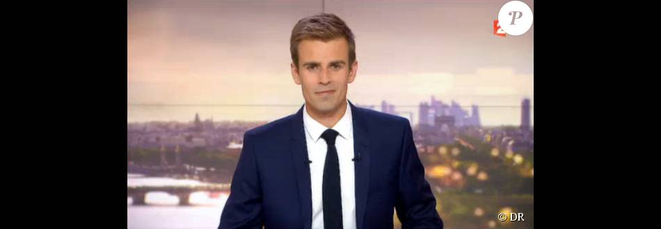 Jean-Baptiste Marteau, à la tête du Journal de 20h de France 2, le week-end du 15 août 2015.