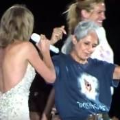 Taylor Swift rejointe sur scène par Julia Roberts et Joan Baez !