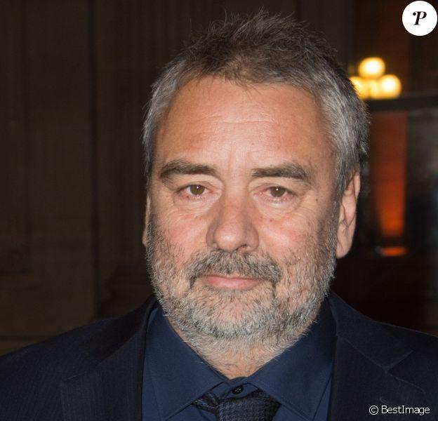 Luc Besson - Remise de la Médaille d'Or de l'Académie des Arts et Techniques du Cinéma à Luc Besson par Alain Terzian, à la Monnaie de Paris, le 19 janvier 2015.