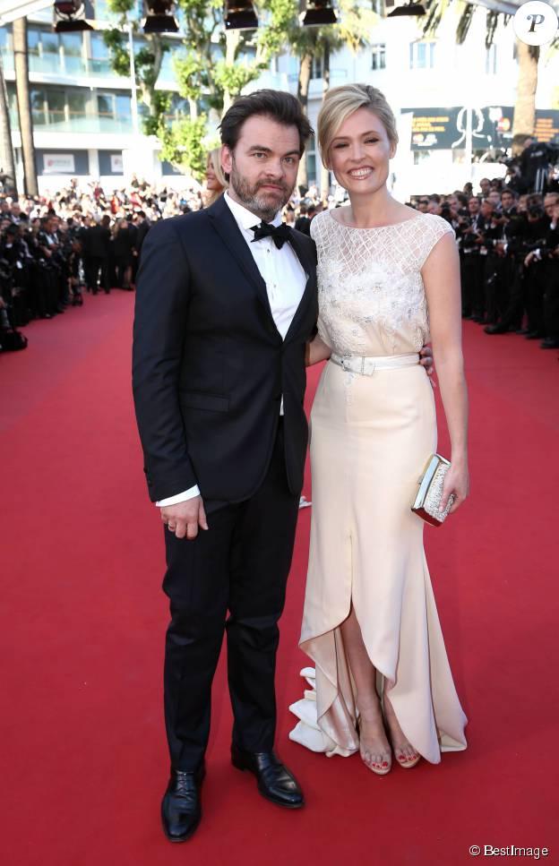 """Clovis Cornillac et sa femme Lilou Fogli - Montée des marches du film """"Inside Out"""" (Vice-Versa) lors du 68e Festival International du Film de Cannes, le 18 mai 2015."""