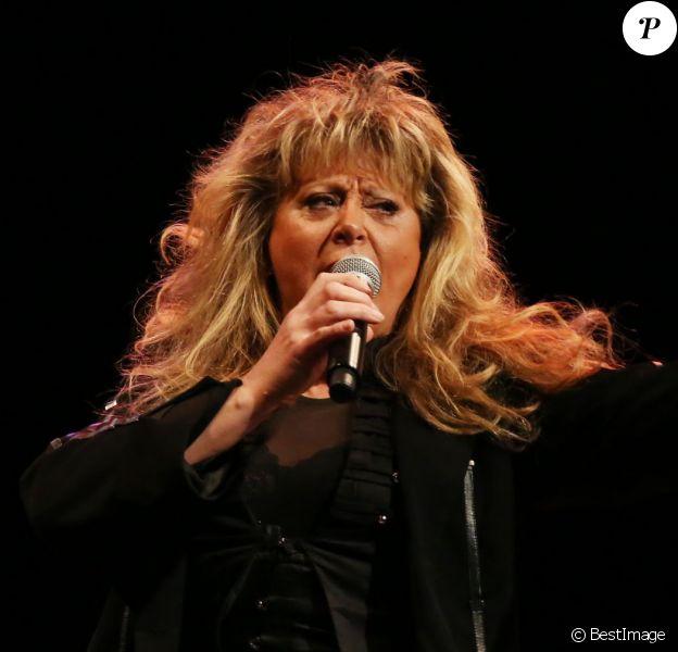 Exclusif - La chanteuse Sloane - Concert solidaire au profit des enfants malades de l'hopital de Boulogne à Boulogne Billancourt, le 4 décembre 2013.