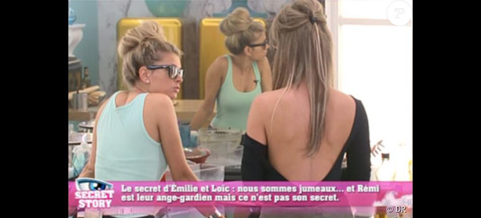 Emilie de Secret Story 9, sa mère explique sa grosse cicatrice dans le dos à nos confrères de Télé Star. Septembre 2015.