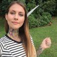 Fanny Maurer : selfie tatoué