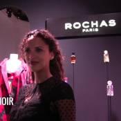 Noémie Lenoir : Jeune maman radieuse pour la Fashion Week parisienne