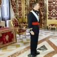 Le roi Felipe VI d'Espagne reçoit les lettres de créance des ambassadeurs au palais royal à Madrid, le 5 octobre 2015.