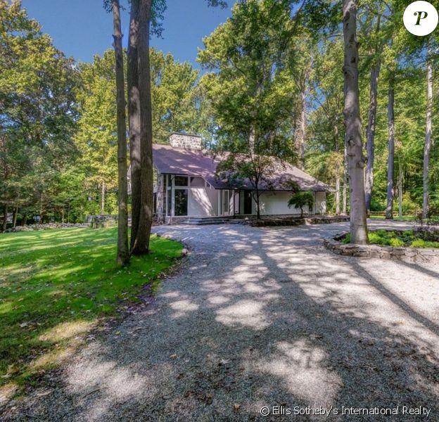 Cette superbe propriété, anciennement habitée par Marcheline Bertrand et sa fille Angelina Jolie, est en vente pour un peu plus de 2 millions de dollars.