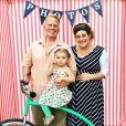 KayCee Stroh et sa fille aînée Zetta Lee ainsi que son mari Ben Higginson / photo postée sur le compte Instagram de l'actrice.