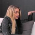 Mélanie discute avec Ali, dans la quotidienne de  Secret Story 9 , le mercredi 14 octobre 2015 sur NT1.