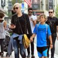 Gwen Stefani fait du shopping avec son fils Kingston à Los Angeles, le 12 septembre 2015