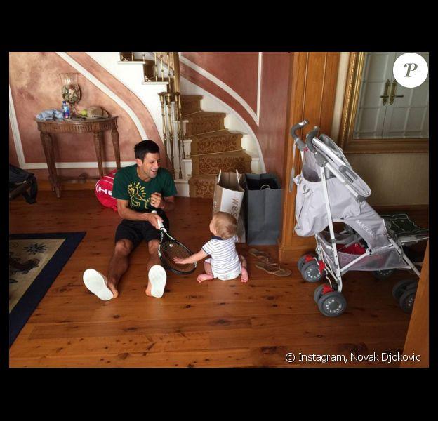 Novak Djokovic et son fils Stefan - photo publiée le 16 septembre 2015
