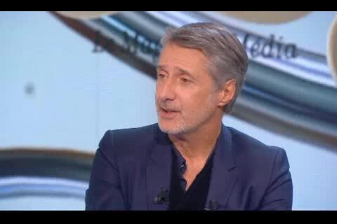 """Antoine de Caunes : """"Regarder le nouveau Grand Journal, c'était traumatisant..."""""""