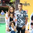 Tia Mowry son mari Cory Hardrict et leur fils à la première du film The Peanuts Movie à Los Angeles, le 1er novembre 2015