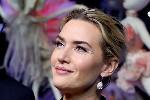 Kate Winslet : Ravissante à Paris, elle découvre un spectacle lumineux !