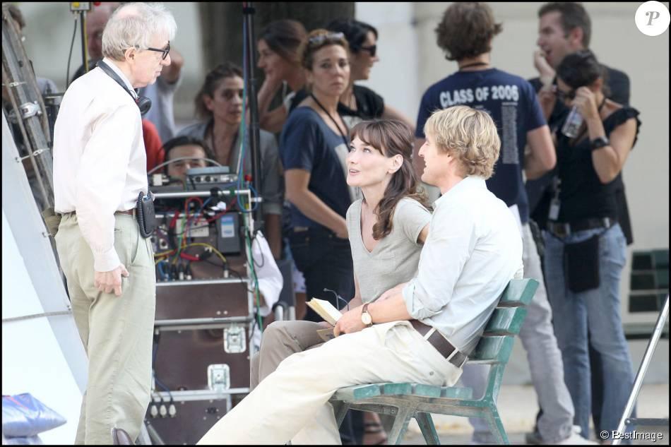 Carla Bruni-Sarkozy sur le tournage du film de Woody Allen, Minuit à Paris avec également Owen Wilson - Paris le 28 juillet 2010
