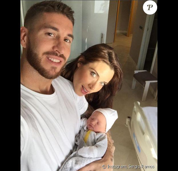 Sergio Ramos et sa belle Pilar sont devenus les parents d'un petit Marco le 14 novembre 2015, le second enfant du couple - Photo publiée le 15 novembre 2015