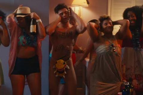 Zac Efron : Les fesses à l'air, il se trémousse dans Dirty Grandpa !