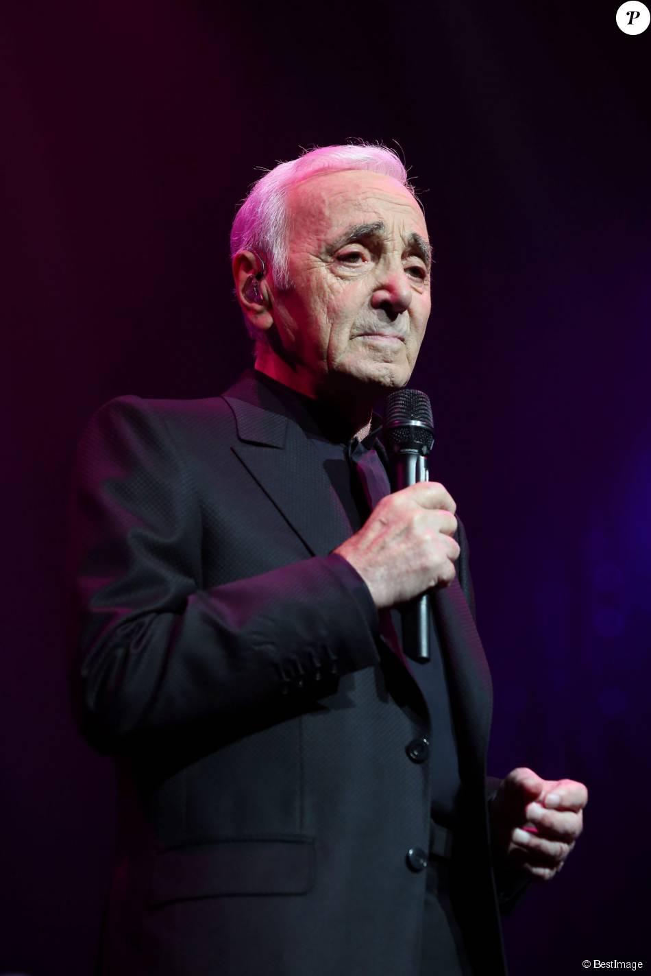 Charles Aznavour - Première représentation de son spectacle au Palais des Sports à Paris le 15 septembre 2015.