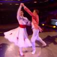 Loïc Nottet et sa partenaire, dans  Danse avec les stars 6 , le samedi 28 novembre 2015 sur TF1.