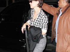 REPORTAGE PHOTOS : Katie Holmes, attention, tu marches sur ton pantalon !