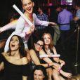 Jessica Chastain fête l'enterrement de vie de jeune fille de sa meilleure amie Jessi Weixler à Las Vegas. Les filles sont allées faire la fête au club TAO / photo postée sur Instagram à la fin du mois de novembre 2015.