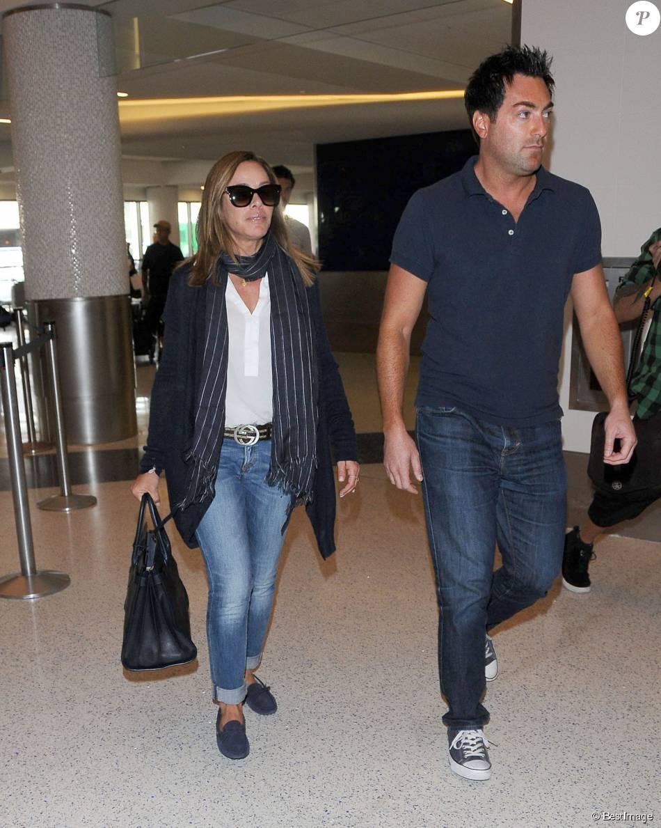 Melissa Rivers (chaussures Tod s, ceinture Gucci, sac Saint Laurent) va  prendre un avion à l aéroport de Los Angeles, le 9 octobre 2014. 20020bd2533