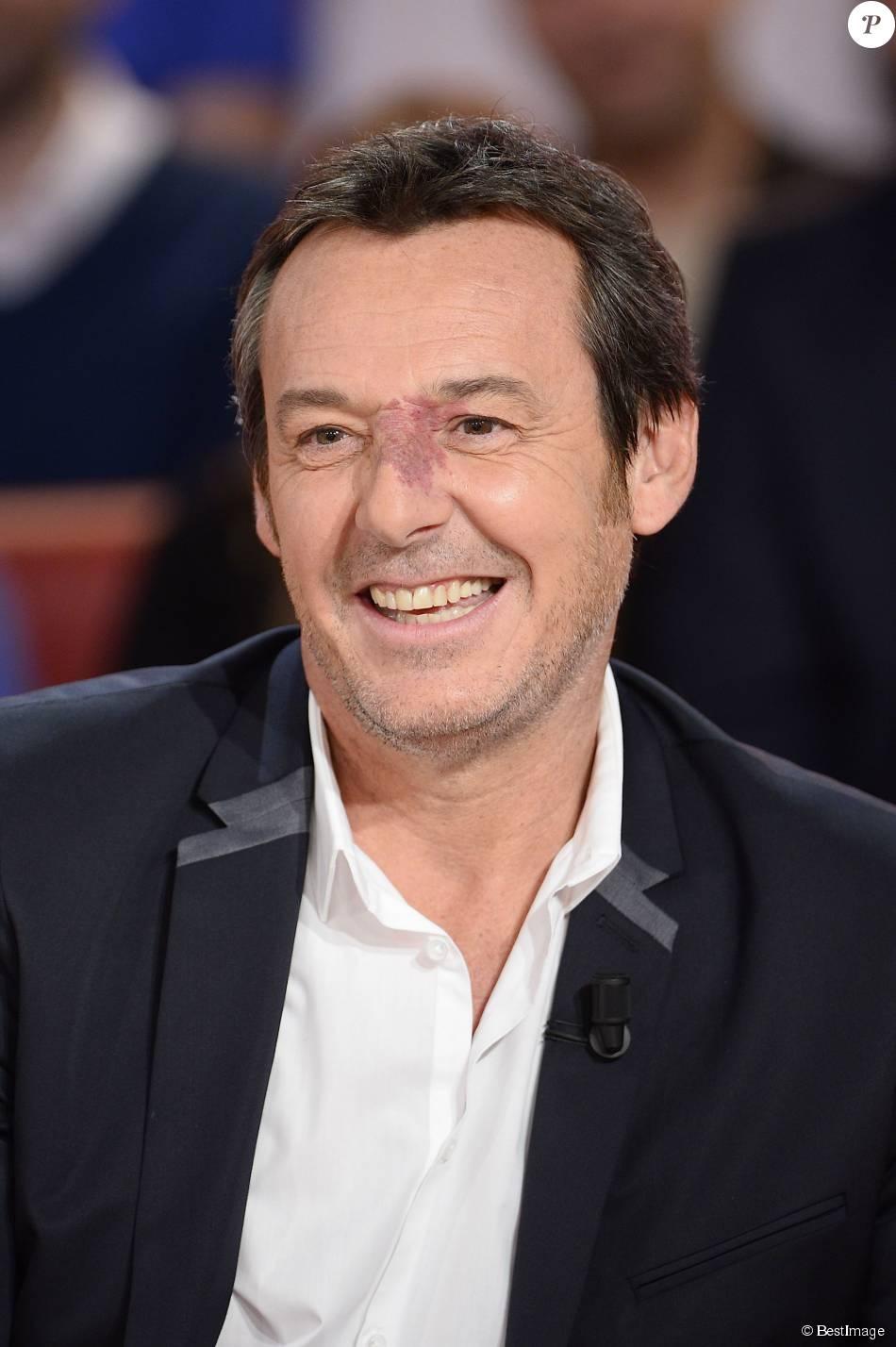 """Jean-Luc Reichmann - Enregistrement de l'émission """"Vivement Dimanche"""" à Paris le 28 octobre 2015. © Coadic Guirec / Bestimage."""