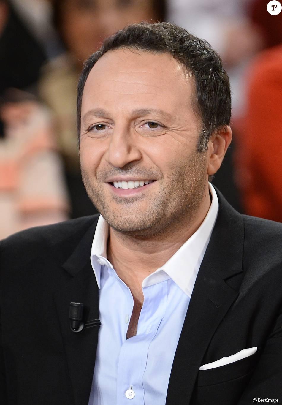 """Arthur - Enregistrement de l'émission """"Vivement Dimanche"""" à Paris le 26 novembre 2014."""