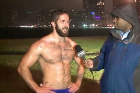 Ethan Renoe : Célibataire et tout musclé, le joggeur torse nu fait le buzz