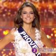Miss Provence - Les 12 finalistes défilent, lors de l'élection Miss France 2016 le samedi 19 décembre 2015 sur TF1
