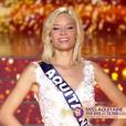 Miss Aquitaine - Les 12 finalistes défilent, lors de l'élection Miss France 2016 le samedi 19 décembre 2015 sur TF1