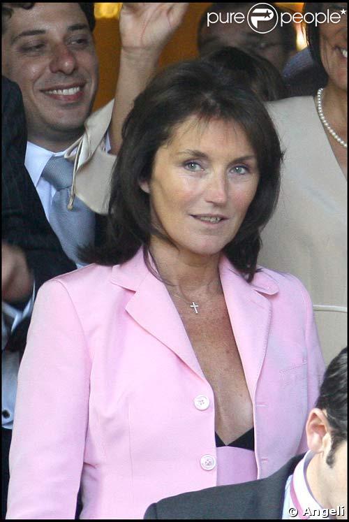 Cécilia Attias au mariage de sa fille Jeanne-Marie Martin avec Gurvan Rallon, le 10/05/08