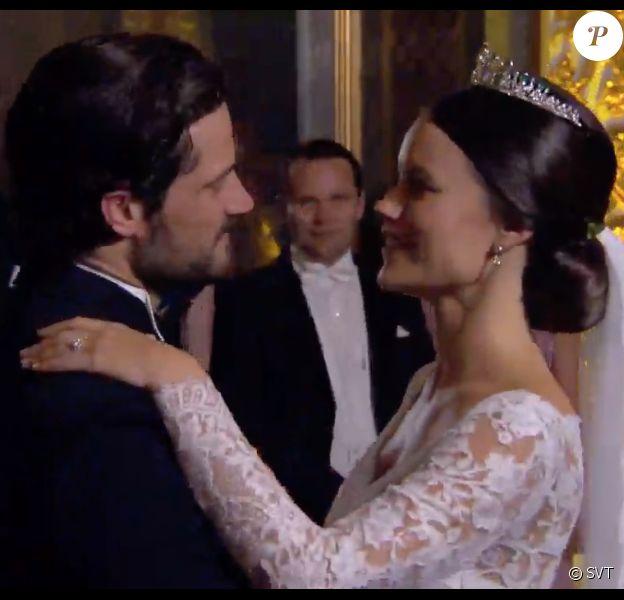 Image du mariage du prince Carl Philip et de la princesse Sofia de Suède, le 13 juin 2015, dans le documentaire Aret med Kungafamiljen, documentaire d'une heure de Sara Bull pour la chaîne SVT sur l'année 2015 de la famille royale de Suède.