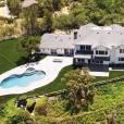 L'ex de Kourtney Kardashian, Scott Disick, s'est offert une nouvelle somptueuse demeure sur les hauteurs d'Hidden Hills à Los Angeles. Le bien immobilier est estimé à 5,96 millions d'euros. Les photos disponibles sur le site du magazine Us Weekly ont été publiées par l'agence immobilière Trulia.