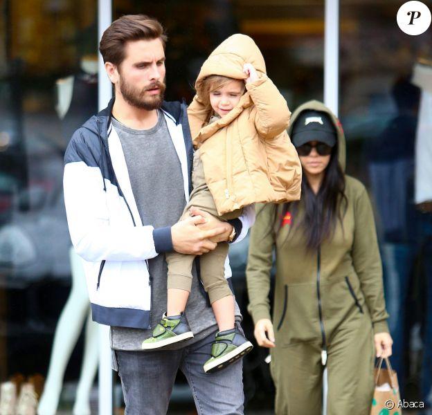 Kourtney Kardashian et Scott Disick bravent le mauvais temps pour accompagner Mason et Penelope chez Color Me Mine, à Los Angeles, le 6 janvier 2015