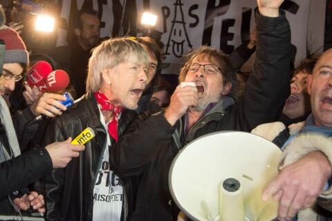 """Renaud: """"Même pas peur"""" place de la République, debout à la mémoire des victimes"""