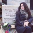 """""""Elsa Wolinski rend hommage à son père George, un an après sa mort dans les attentats de Charlie Hebdo - janvier 2016"""""""