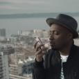 Soprano dans le clip du single  No Me Mirès Màs .