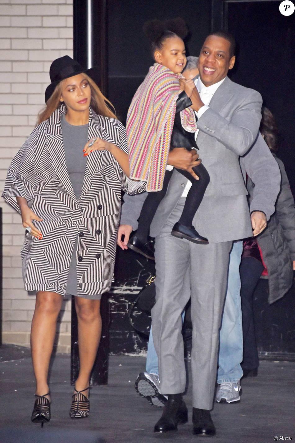 Beyoncé et Jay-Z, avec leur fille Blue Ivy Carter à New York, le 7 décembre 2014