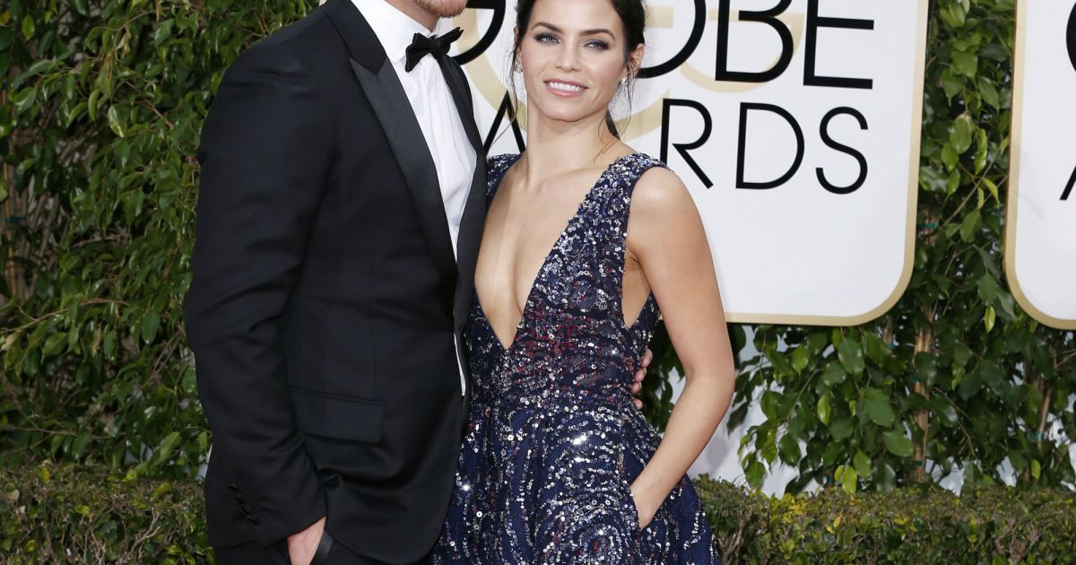 channing tatum habill en dior homme et sa femme jenna dewan la 73 me c r monie annuelle des. Black Bedroom Furniture Sets. Home Design Ideas