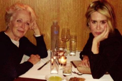 Sarah Paulson, 41 ans, et Holland Taylor, 73 ans : Leur amour s'affirme...